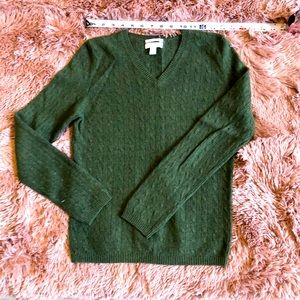 100% cashmere sweater green small Vneck longsleeve